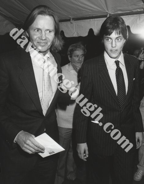 Jon Voight and son, James 1987, NY.jpg
