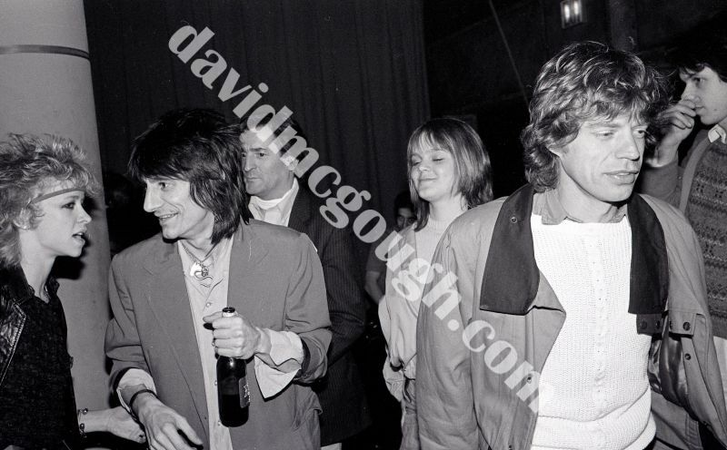Mick Jagger and girlfriend, Gwynne Rivers, Ron Wood and wife, Jo  1982, NY.jpg