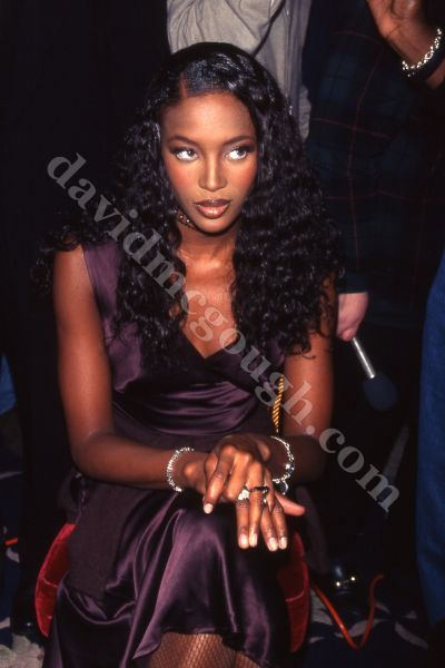 Naomi Elizabeth - tik---tik Split