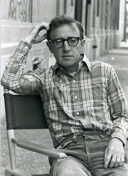Woody Allen 1982, NYC  cliff.jpg