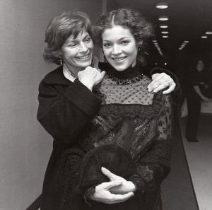Amy Irving and Mom, 1987, NY1.jpg