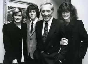 Andy Williams with family 1982, NY.jpg