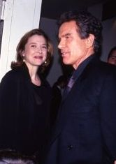 Annette Benning ,Warren Beatty, 1992 LA.jpg