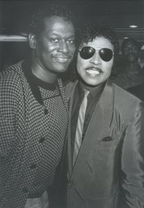 Luther Vandross and Little Richard 1985, LA.jpg