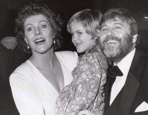 Lynn Redgrave with husband and daughter, Annabel 1987, NY.jpg