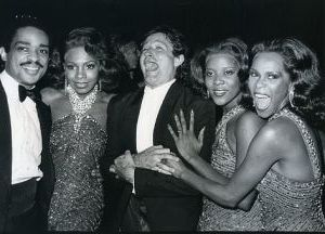 Robin Williams with Dreamgirls cast 1982, NY.jpg