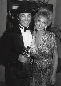 Tammy Wynette and Clint Black 1990, LA.jpg