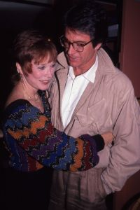 Warren Beatty, Shirley MaClaine NYC.jpg