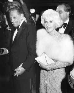 William Holden, Barbara Stanwyck , 1981  NYC.jpg